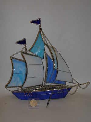 SY207 Glass blue & white ship