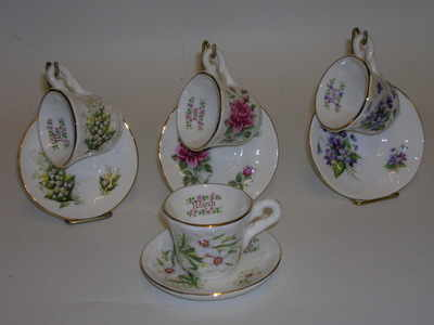 BC0086 Mini cup & saucer + stand
