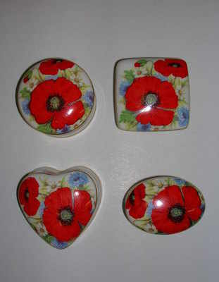 BC0526/B Mini china box - Poppies