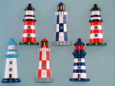 21527 Lighthouse magnet - 6 assorted - 10 cm high