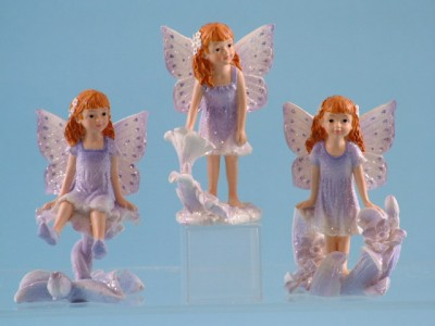 10024 Fairy sitting on flower