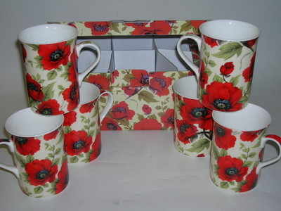 FC066 Boxed beakers - poppies