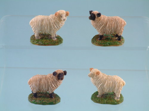 10362 Mini resin sheep - 5cm