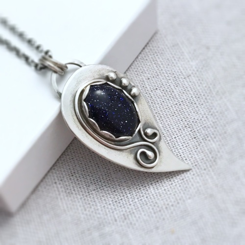 necklace bodyspirtitual crystal blue goldstone product