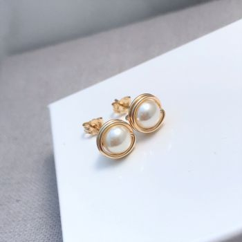 Pearl Stud Earrings | Gold Filled