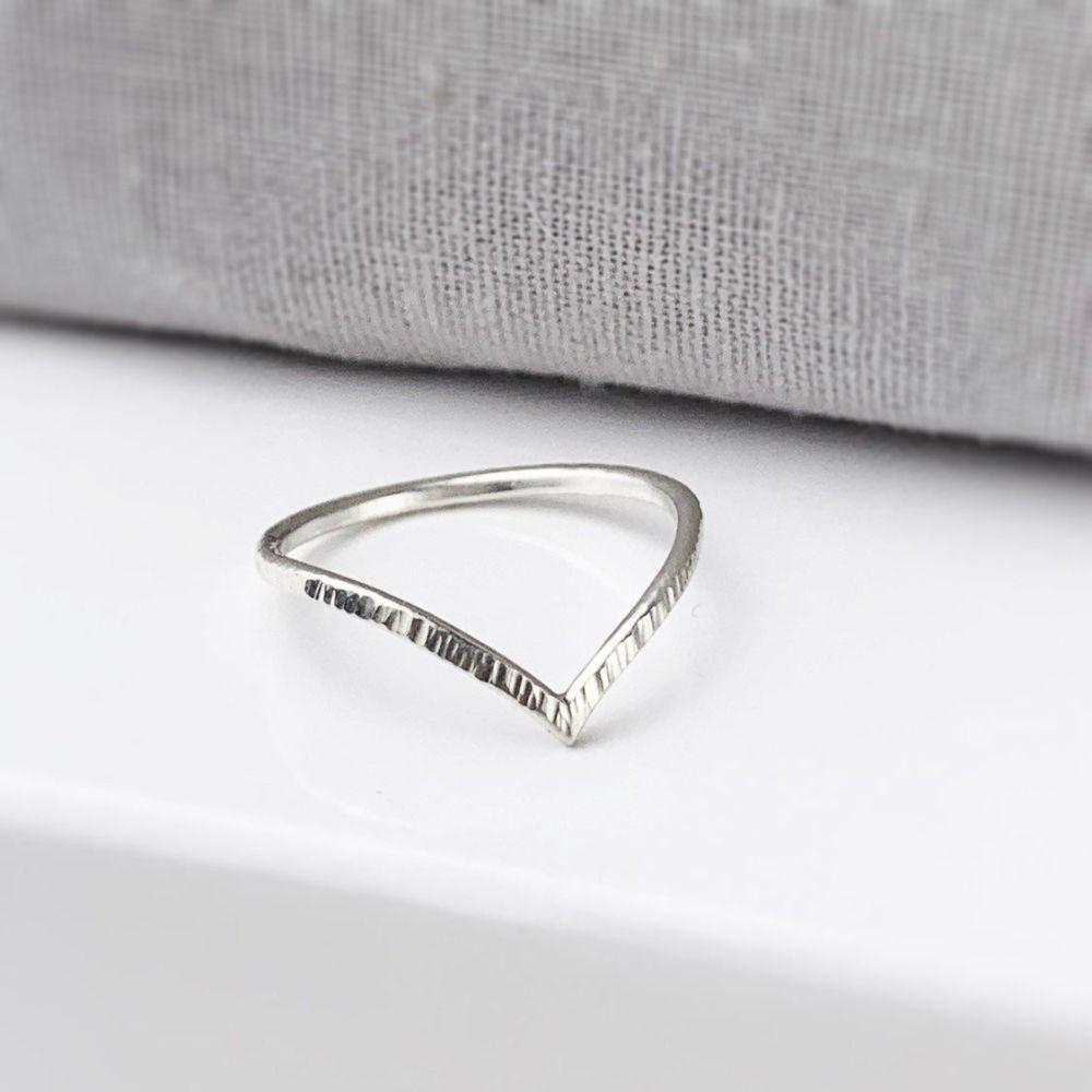 Linear Chevron Ring | Sterling Silver