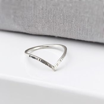 Linear Chevron Ring | Sterling Silver