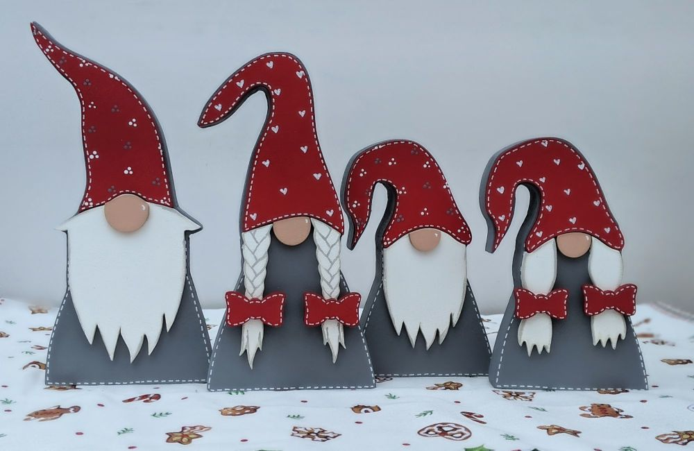 Free-standing Gnome Family