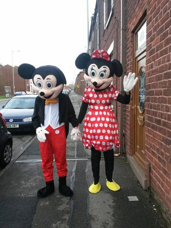 mickey and minnie mouse characters