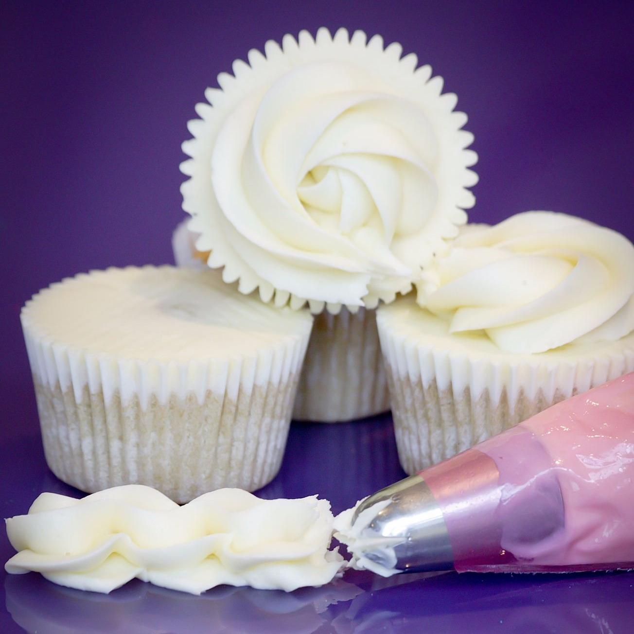 Vanilla Buttercream on Cupcakes