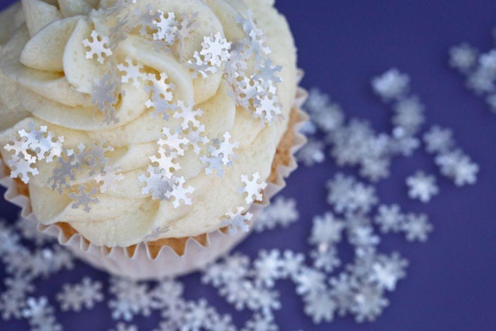 Purple Cupcakes - Sparkle Flakes 1g - White Snowflakes