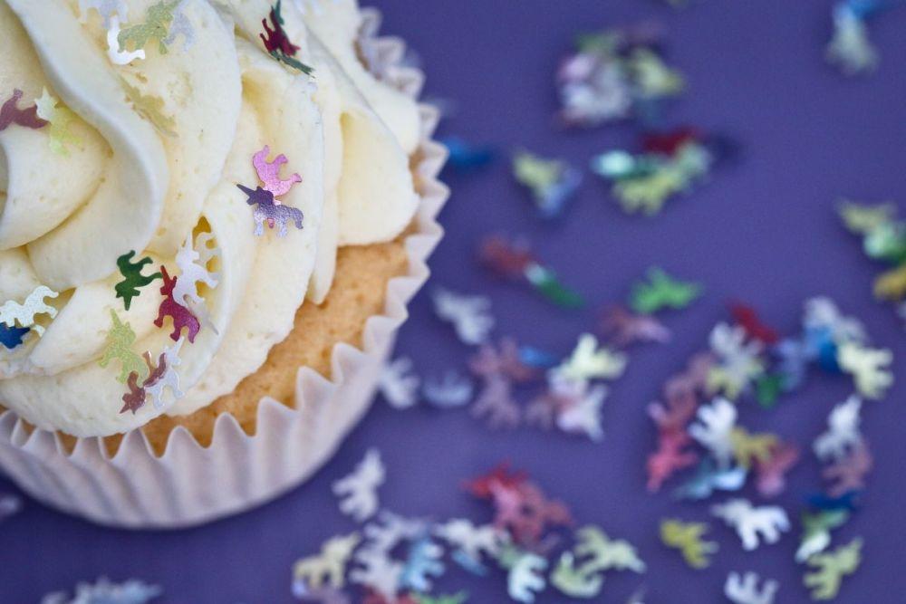 Purple Cupcakes - Sparkle Flakes 1g - Rainbow Unicorns