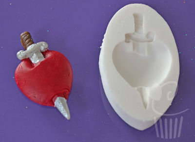 Cupcake Mould - Heart & Dagger
