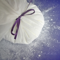 Cornflour Pouch for perfectly light dusting