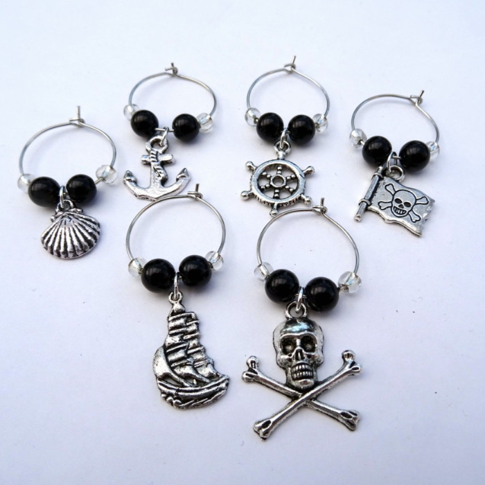 Pirate wine glass charms in black and clear