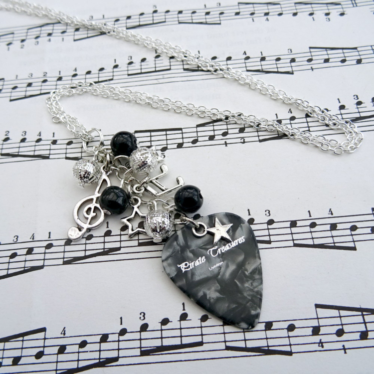 Rock'n'Roll Star plectrum charm necklace in black CN093