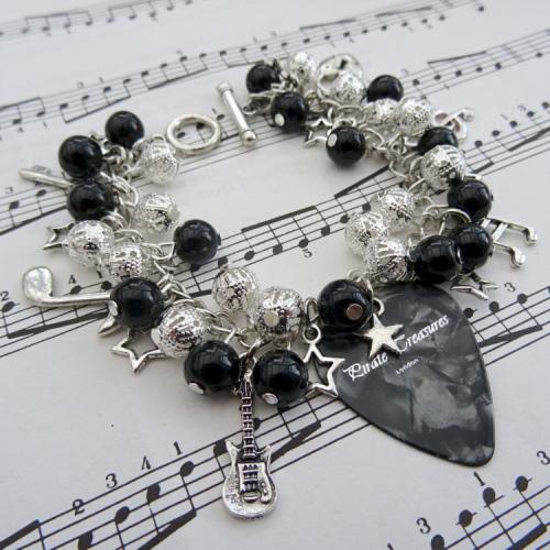 Rock'n'Roll Star plectrum charm bracelet in black CCB060