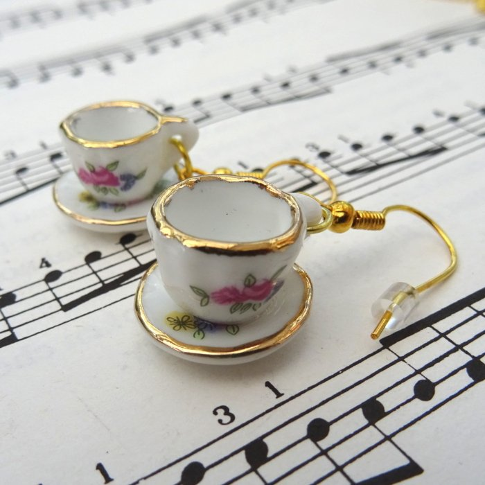 Teacup earrings - china cup and saucer VE053