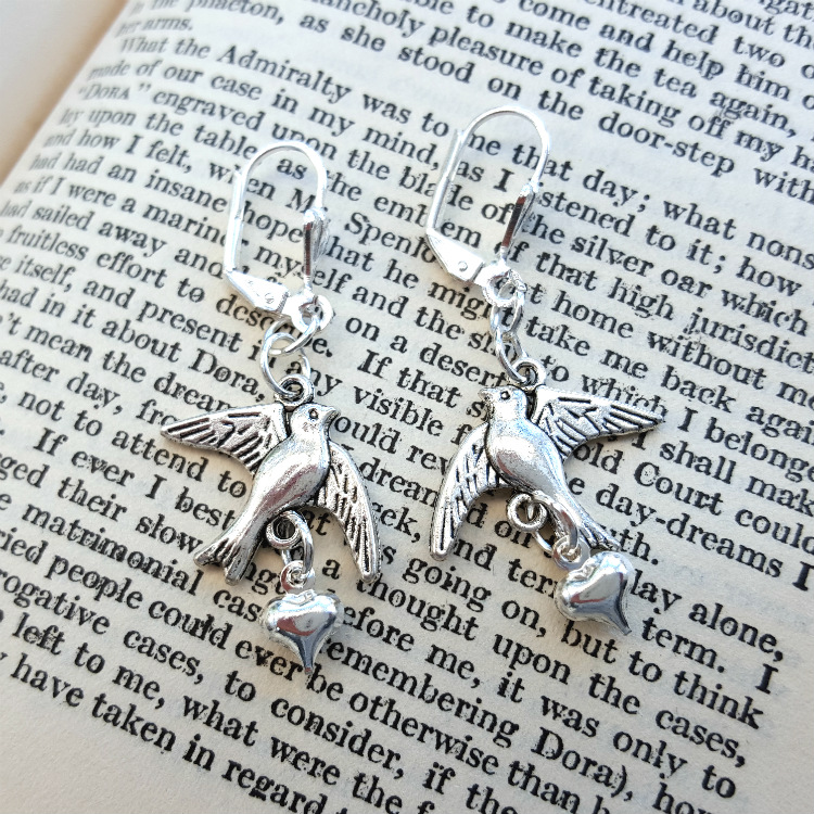 Silver swallow and heart earrings VE054