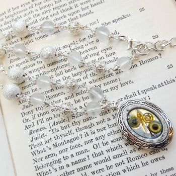 Steampunk silver locket with vintage style beaded chain SN134