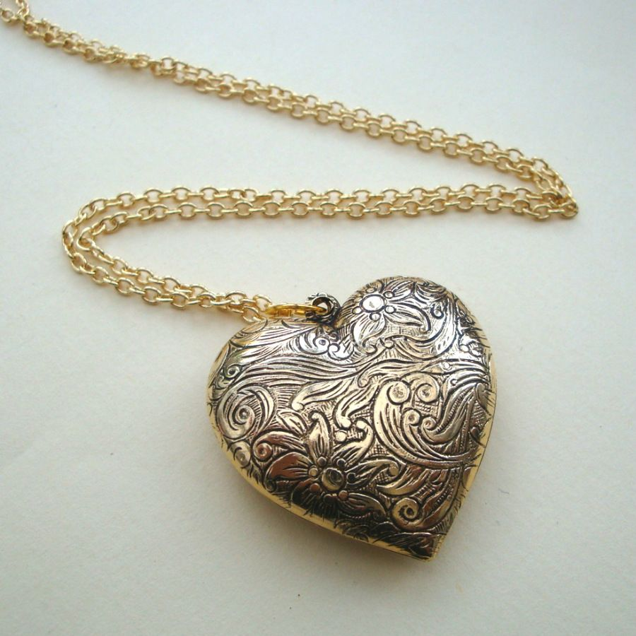 Vintage inspired style gold heart necklace VN034