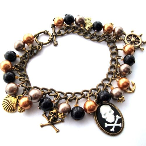 PCB091 Brown & bronze pirate cameo charm bracelet