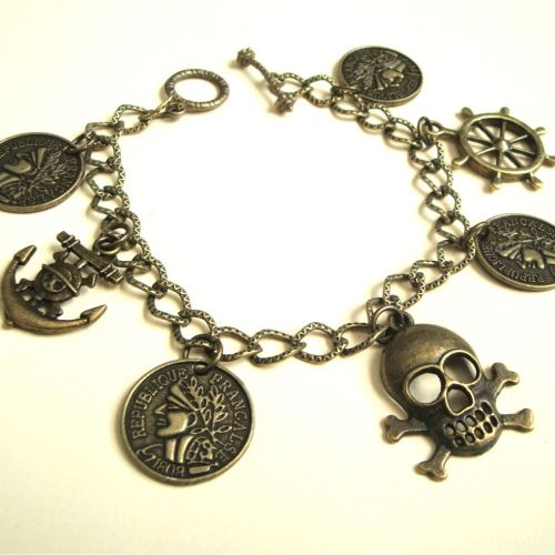 PCB092 Antique bronze pirate charm bracelet