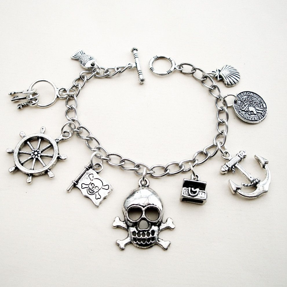 PCB082 Silver charms pirate bracelet