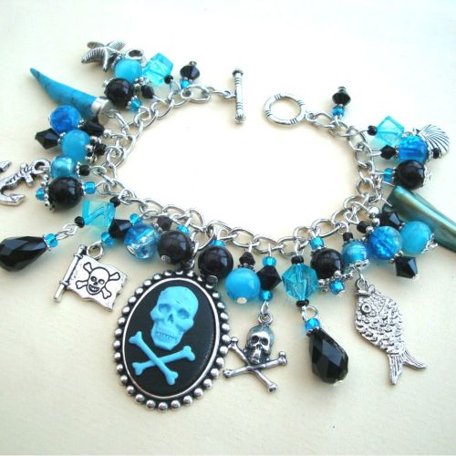 PCB077 Turquoise pirate cameo charm bracelet