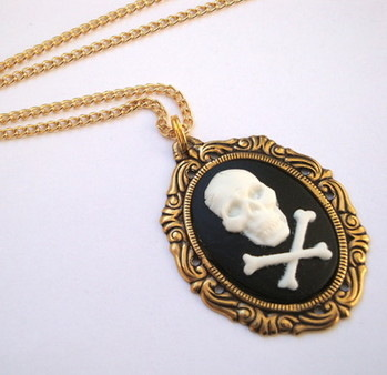 Antique gold Skull & Crossbones cameo necklace PN012