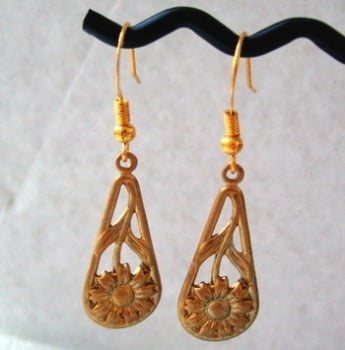 Vintage brass flower drop earrings VE002