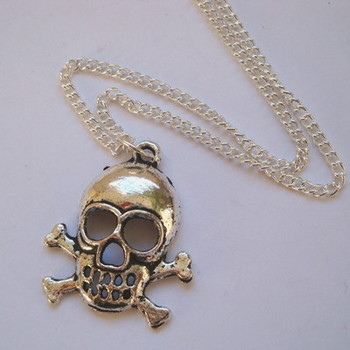 PN019 Silver skull & crossbones on chain pirate necklace