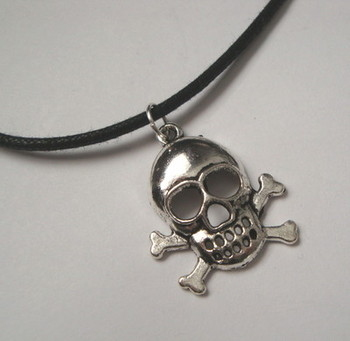 PN020 Skull & crossbones on cord pirate necklace