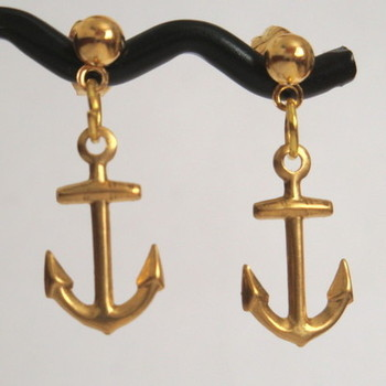 Gold plated anchor stud nautical pirate earrings PE009