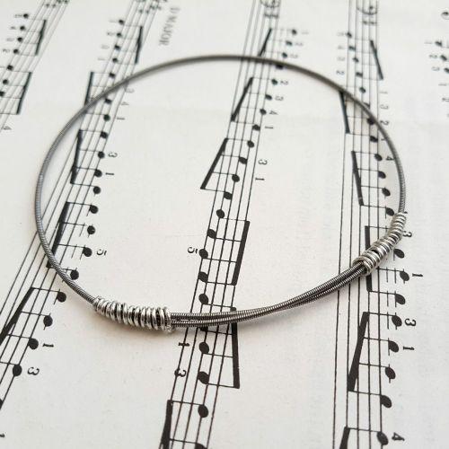 Wayne Thomas Trampolene bass guitar string bracelet size M (75mm diameter)