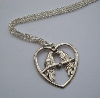 Silver Lovebirds vintage style charm necklace VN029