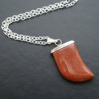 MN009 Brown goldstone tusk necklace