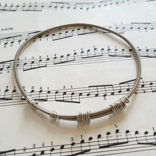 Wayne Thomas Trampolene bass guitar string bracelet size L (80mm diameter)