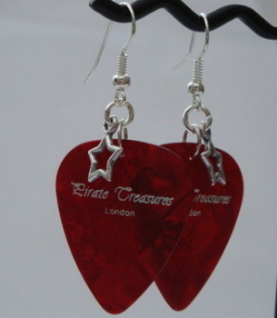 Red Pirate Treasures plectrum and star earrings KE017