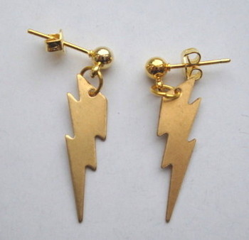 Vintage kitsch brass Lightning Bolt earrings VE011