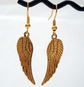 Vintage kitsch large gold angel wing earrings VE009
