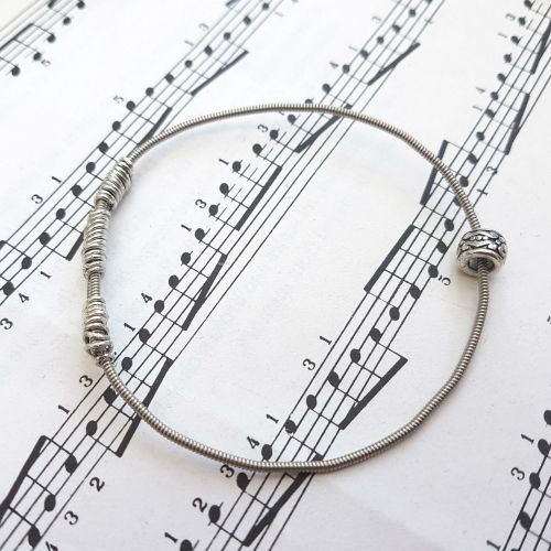 Wayne Thomas Trampolene bass guitar string bracelet size XXS (60mm diameter