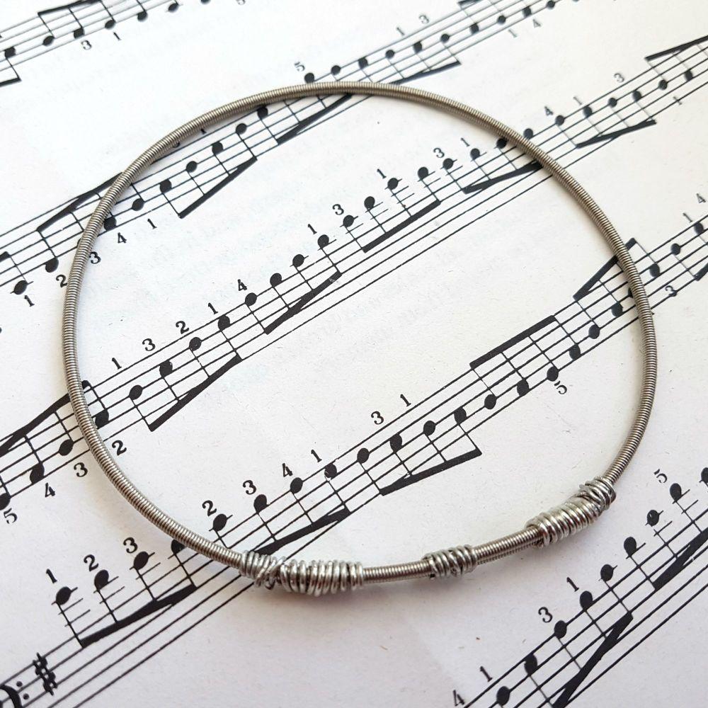 Wayne Thomas Trampolene bass guitar string bracelet size L (80mm diameter) WT016