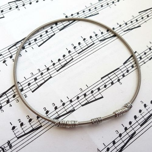 Wayne Thomas Trampolene bass guitar string bracelet size L (80mm diameter)