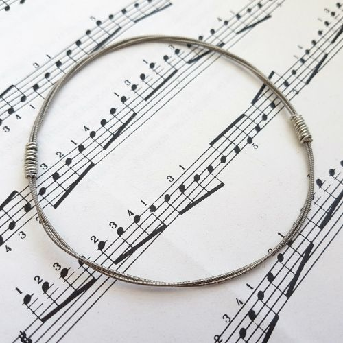 Jack Jones Trampolene guitar string bracelet size L (80mm diameter) JJ044
