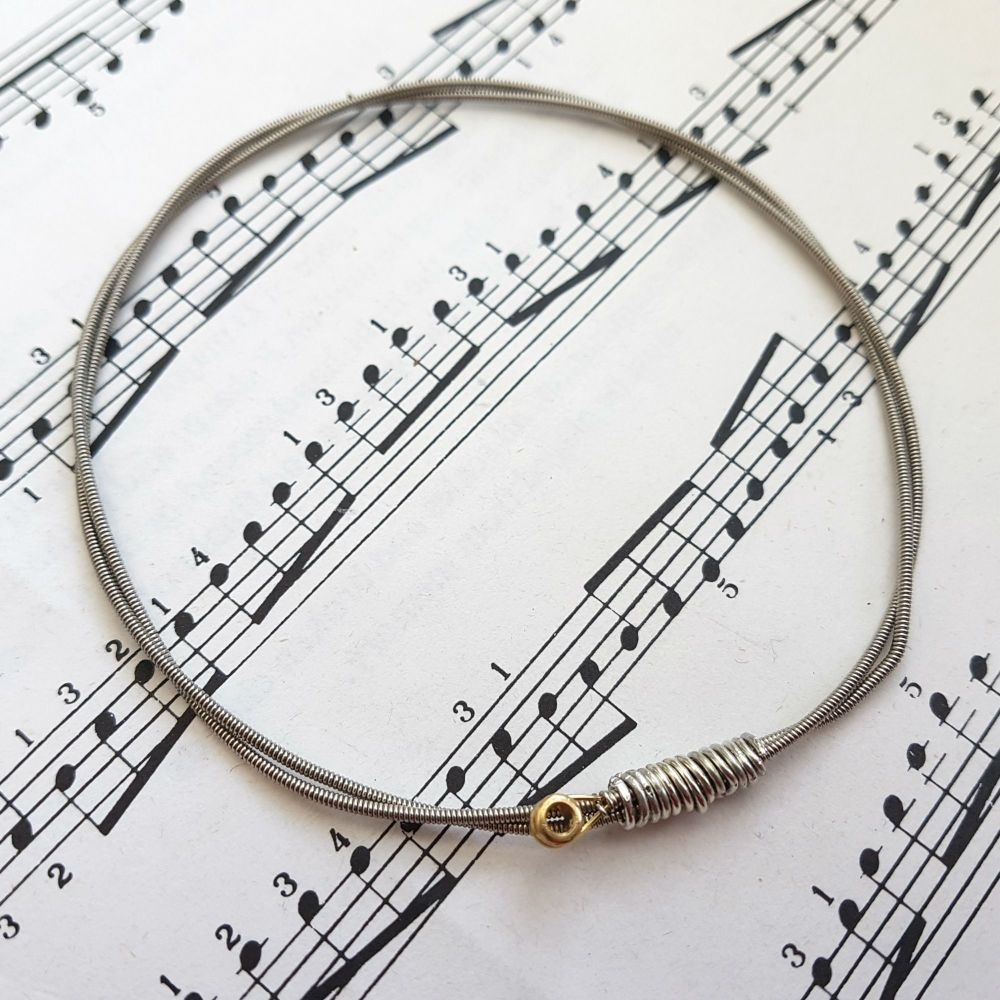 Jack Jones Trampolene guitar string bracelet size L (80mm diameter) JJ045
