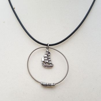 "Guitar string necklace ""Albion"" PDN001"