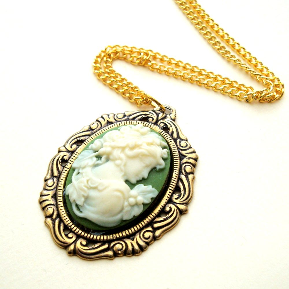 Vintage style necklace with green lady cameo in antique gold setting VN010
