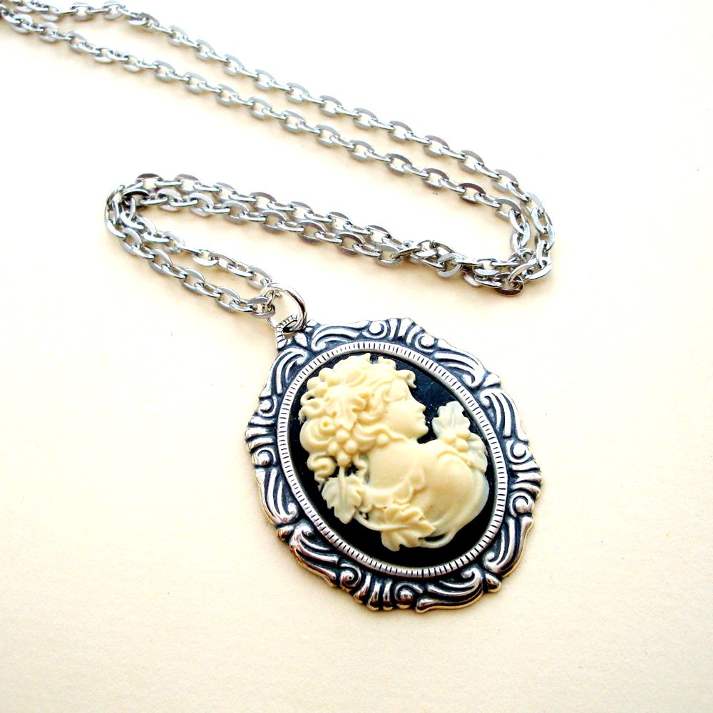 Victorian style antique silver & black cameo necklace VN009