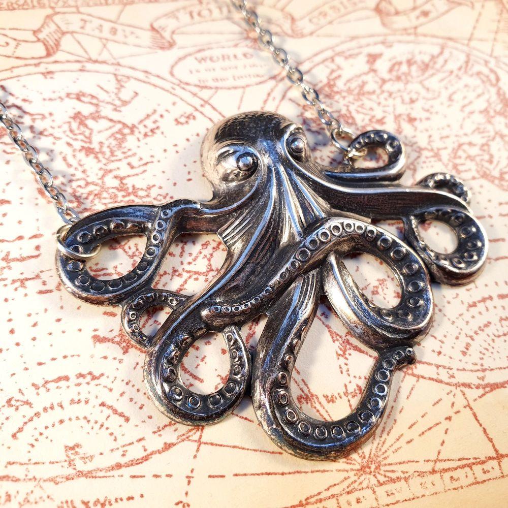 Vintage antique silver octopus necklace VN003